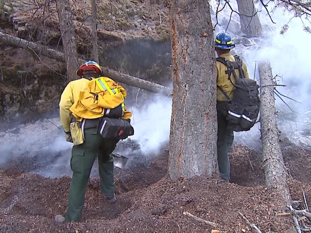 Firefighters work on the fire lines of the Fern Lake Fire in the first week of December 2012. (credit: CBS)