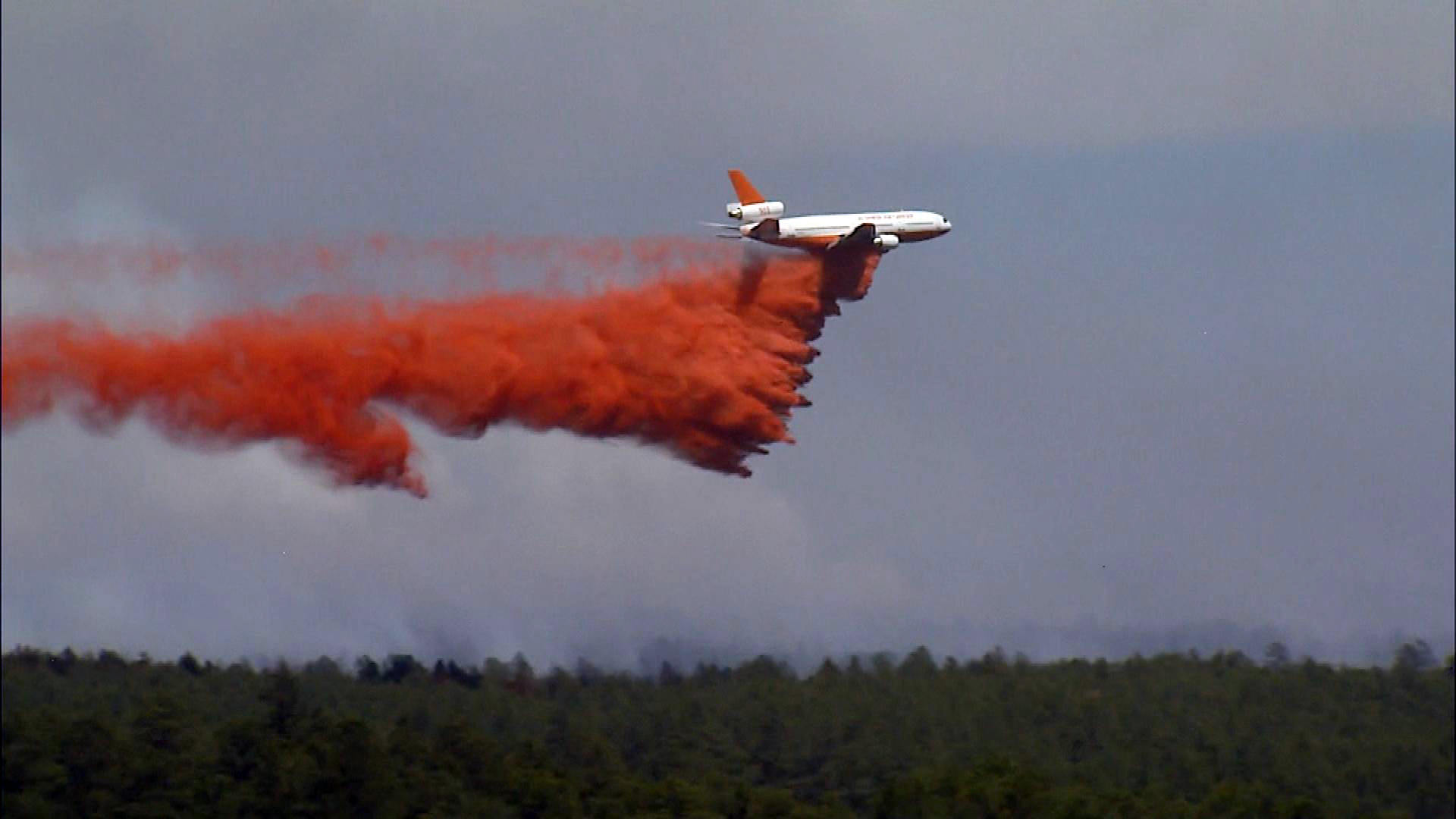 The DC-10 at the Black Forest Fire (credit: CBS)