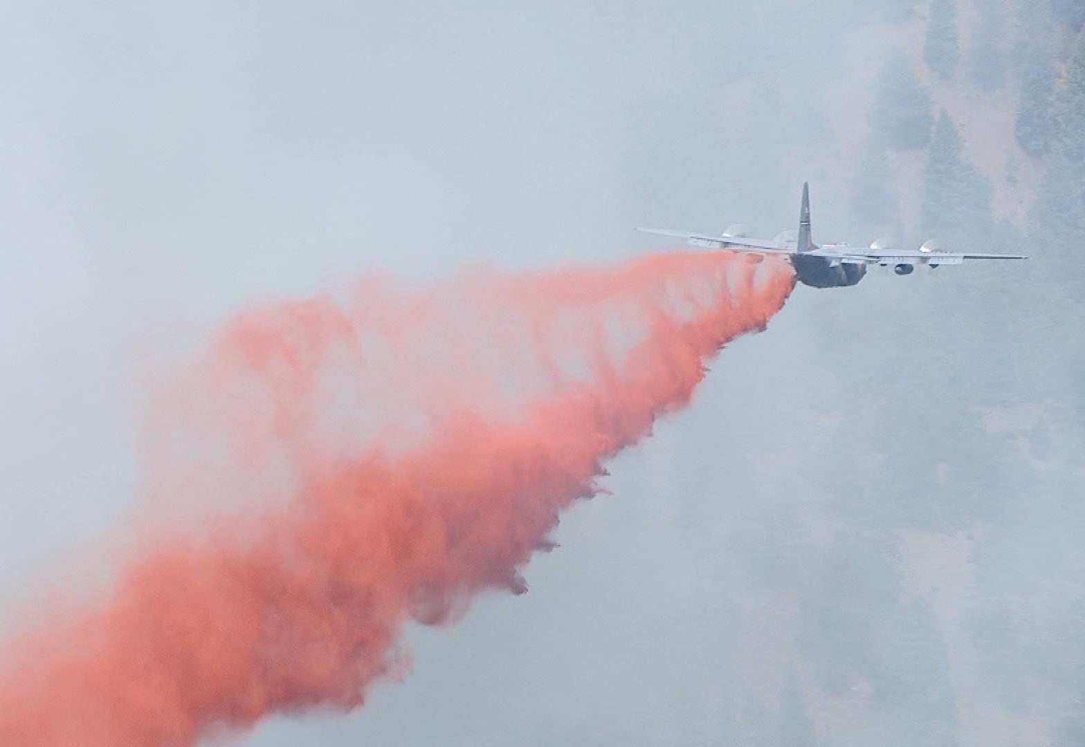 A plane drops slurry on the Lime Gulch Fire. (credit: CBS)
