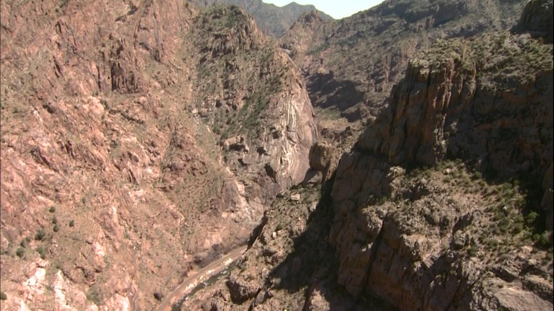 The view above the Arkansas River from the Royal Gorge Bridge (credit: CBS)