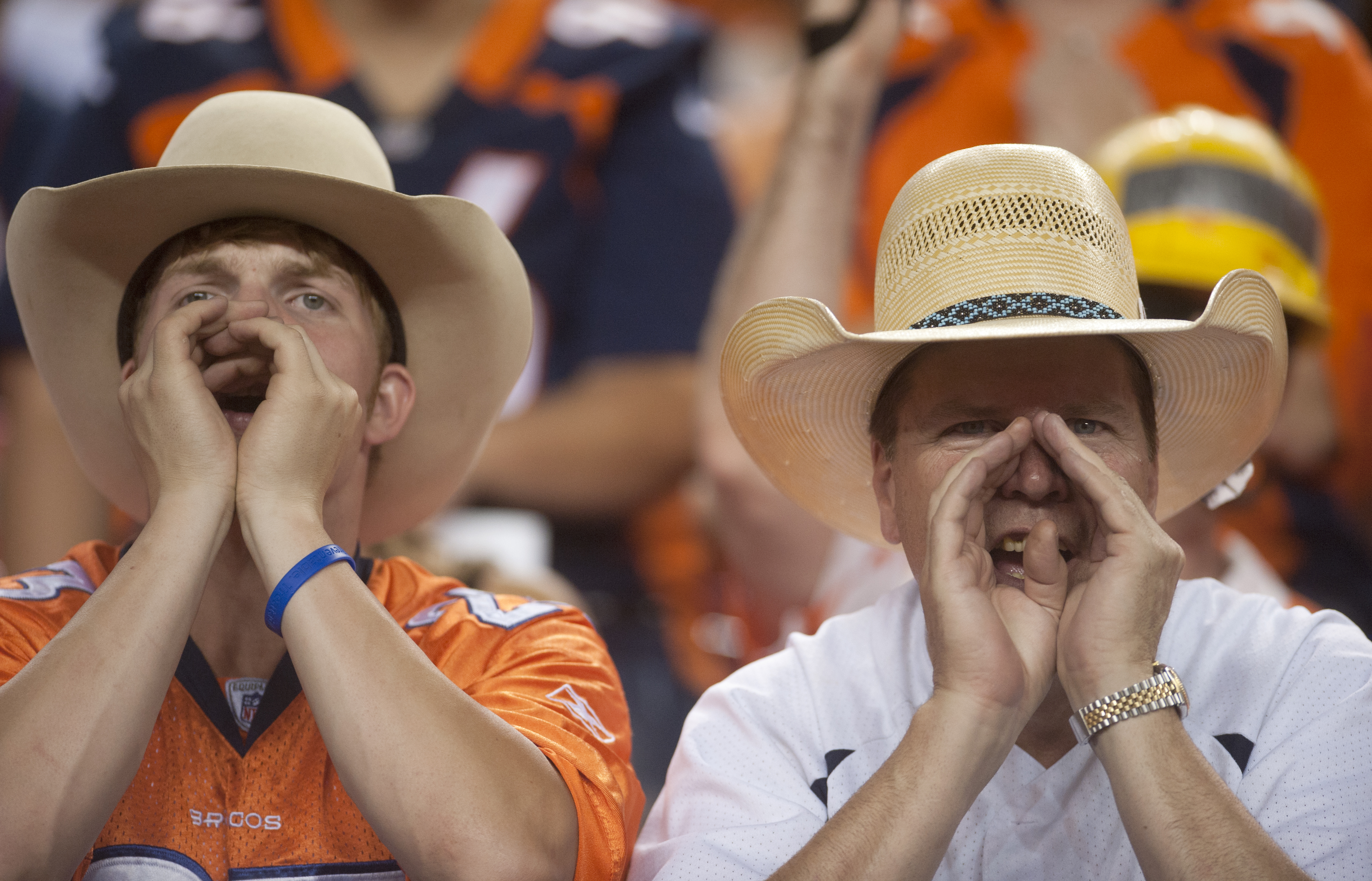 Fans at Sports Authority Field at Mile High on Sept. 5, 2012. (credit: Evan Semón, For CBS4)