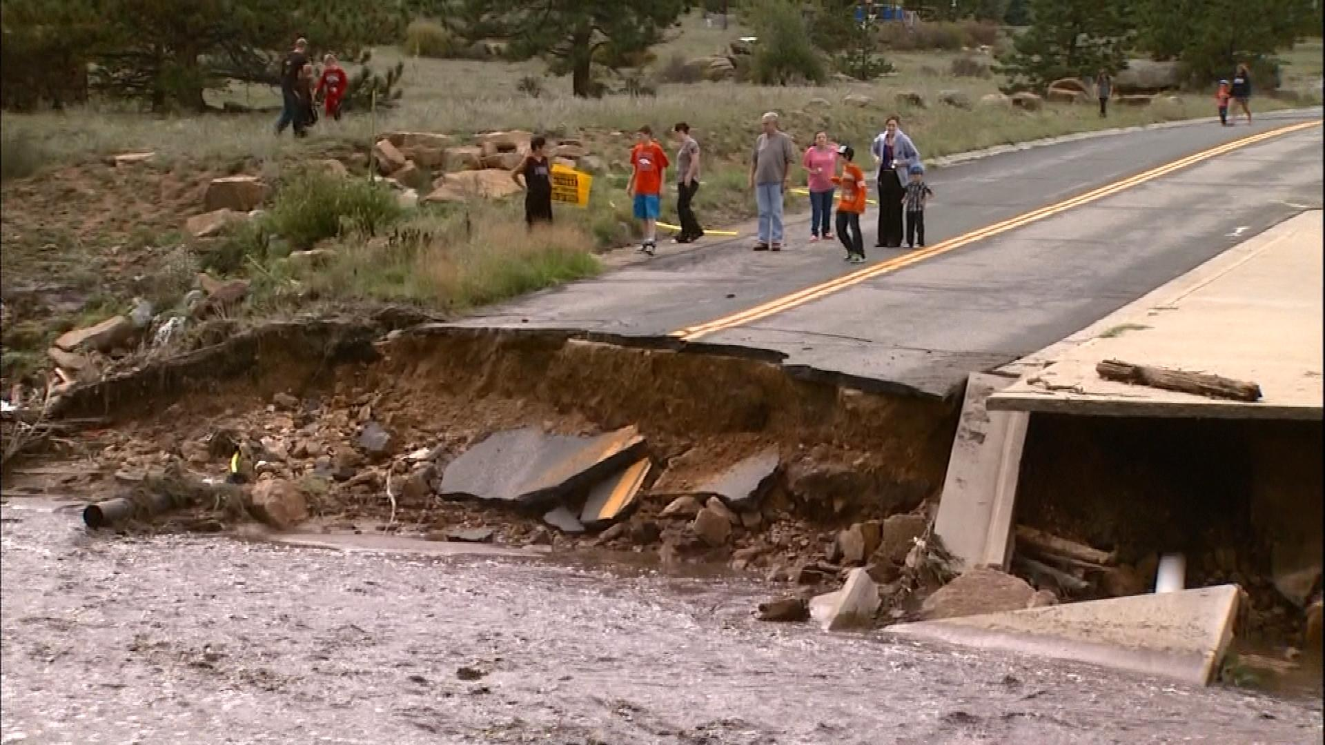 Flooding in Estes Park (credit: CBS)