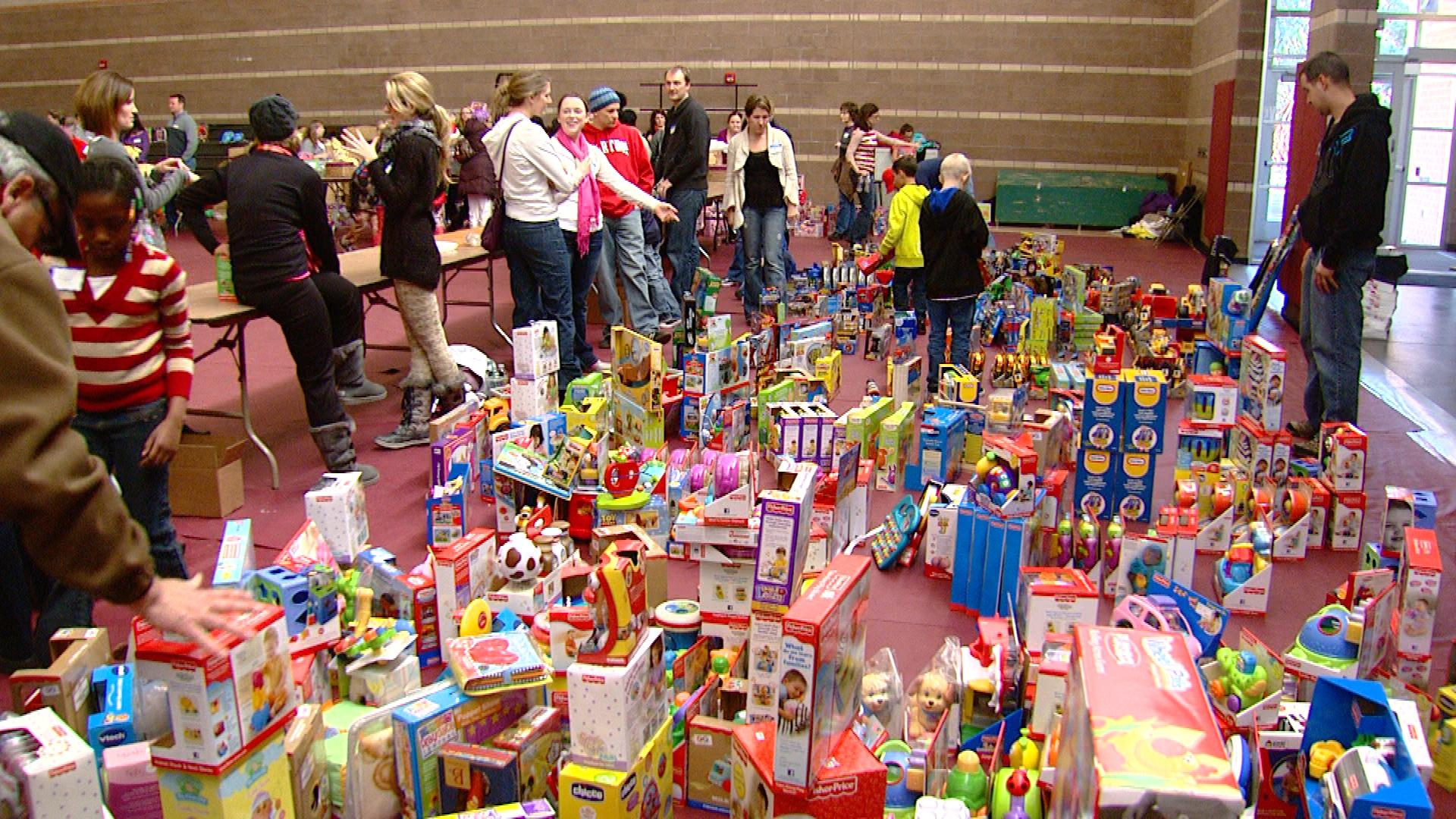 "Toys at ""Dolls for Daughters"" (credit: CBS)"