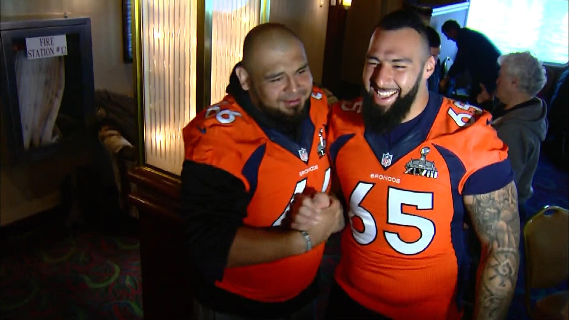 Manny Ramirez, left, and Louis Vasquez, right, in New Jersey before Super Bowl XLVIII. (credit: CBS)