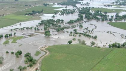 River flooding along the South Plate River in September 2013. (credit: CBS)