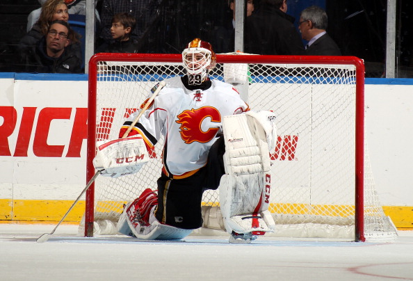 Reto Berra (Photo by Adam Hunger/Getty Images)