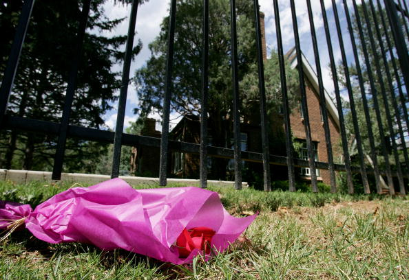 A single red rose lays near the entrance to the residence at 749 15th Street, where JonBenet Ramsey was murdered in December 1996.  (credit: Doug Pensinger/Getty Images)