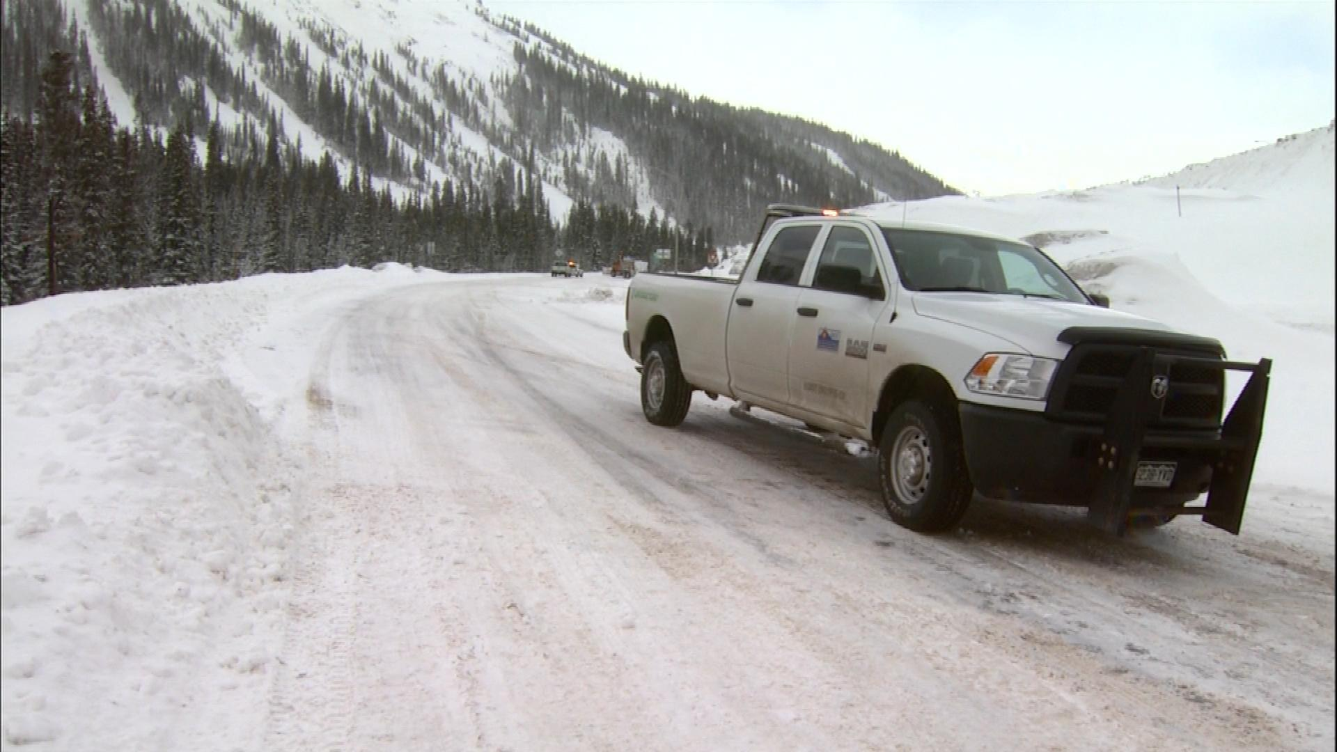 An image from Loveland Pass Monday morning (credit: CBS)