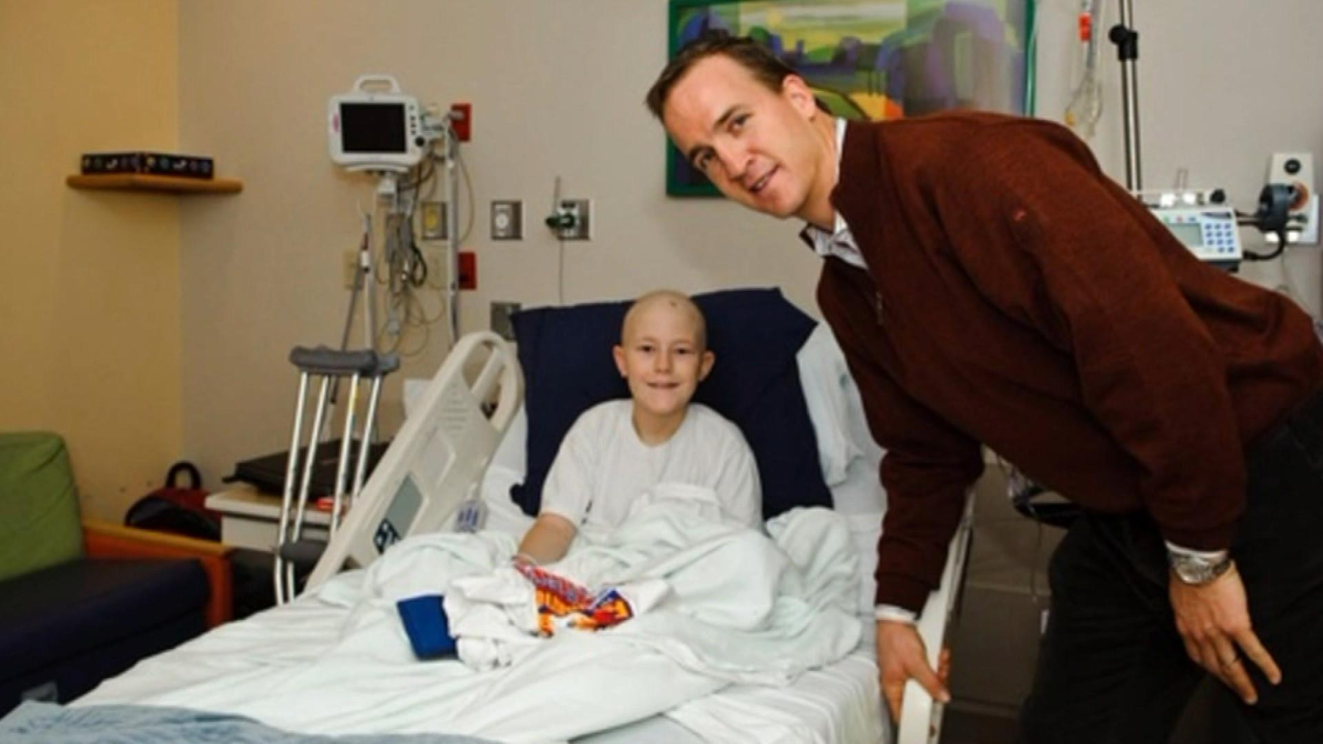 Peyton Manning at the hospital that bears his name (credit: CBS)