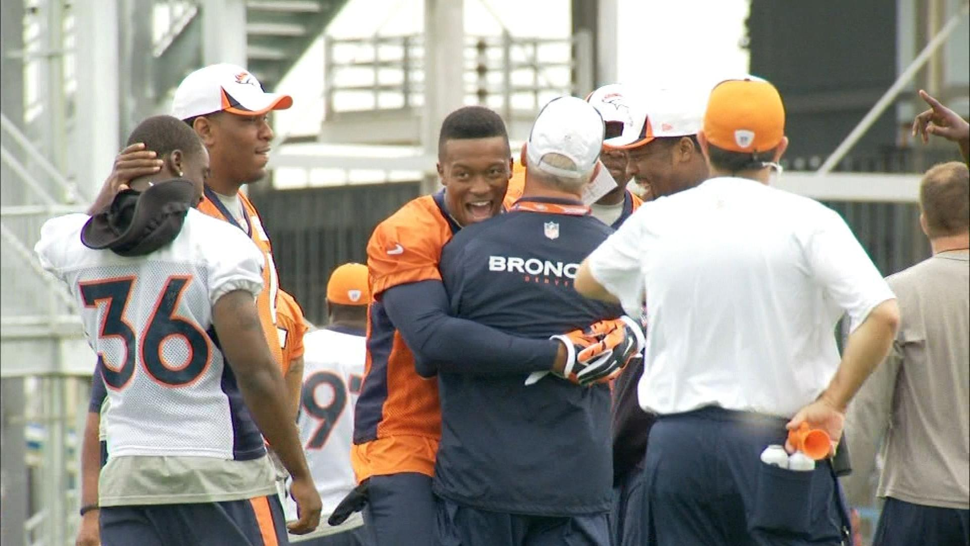 Demaryius Thomas, center, back at practice on Monday. (credit: CBS)