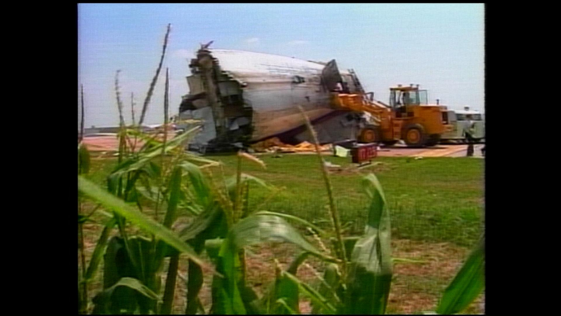 Wreckage in the cornfield (credit: CBS)