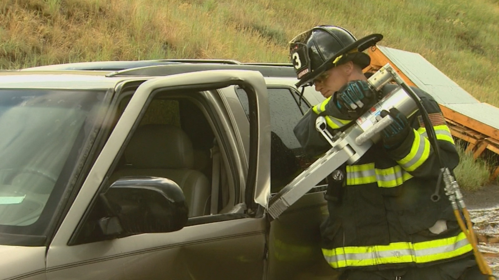 Firefighters in Vail tested the Jaws of Life tool (credit: CBS)