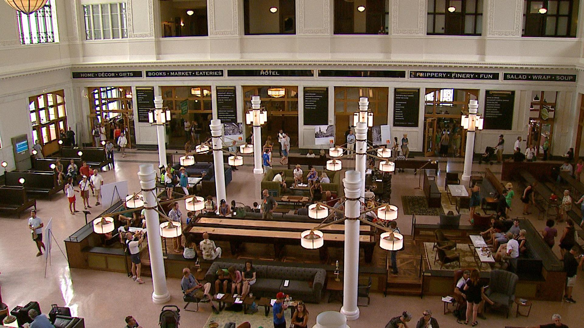 Inside Union Station (credit: CBS)