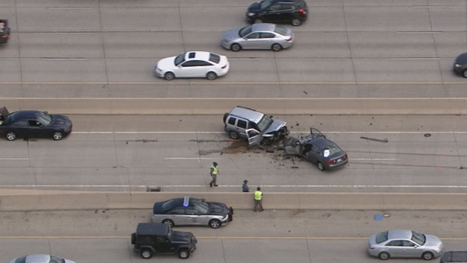 Copter4 flew over the possible wrong-way crash in the HOV Lanes of I-25 (credit: CBS)