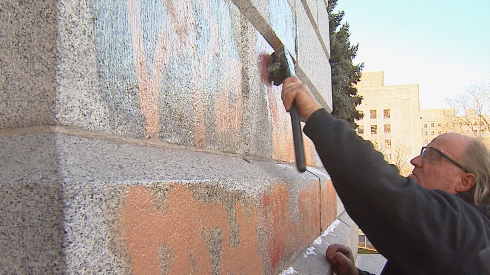 Crews cleaned graffiti off the state Capitol on Thursday (credit: CBS)