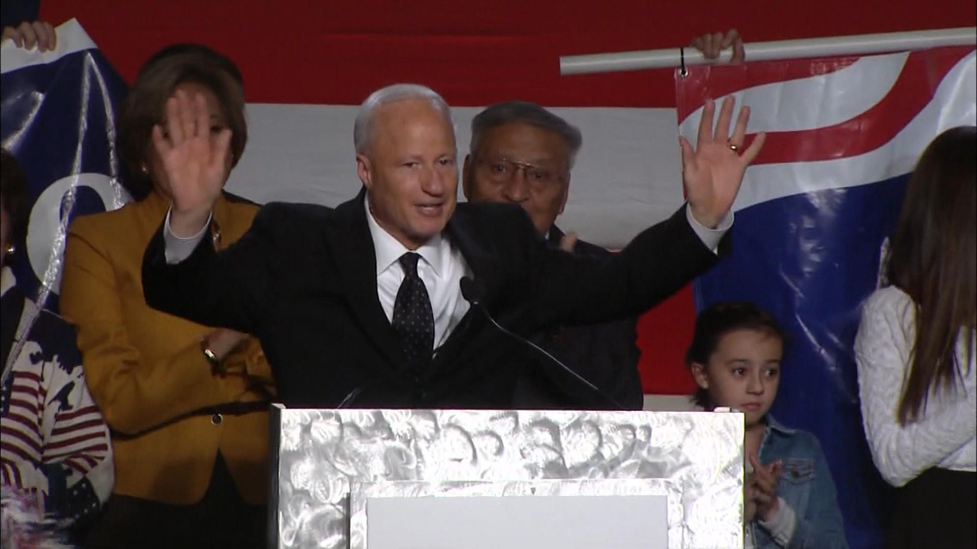 Rep. Mike Coffman delivers his acceptance speech. (credit: CBS)