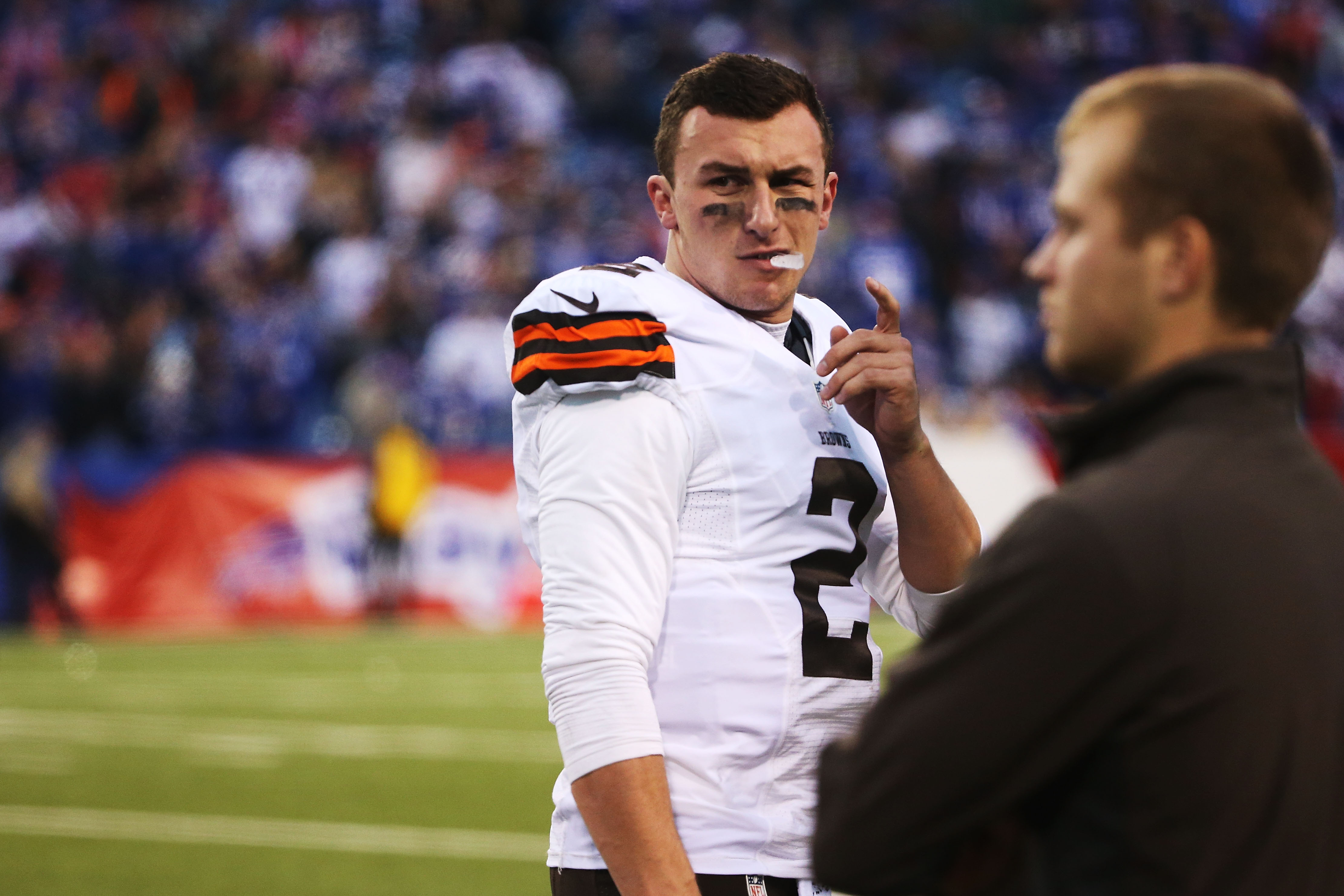 Johnny Manziel of the Cleveland Browns at Ralph Wilson Stadium on Nov. 30, 2014 in Orchard Park, New York. (credit: Tom Szczerbowski/Getty Images)