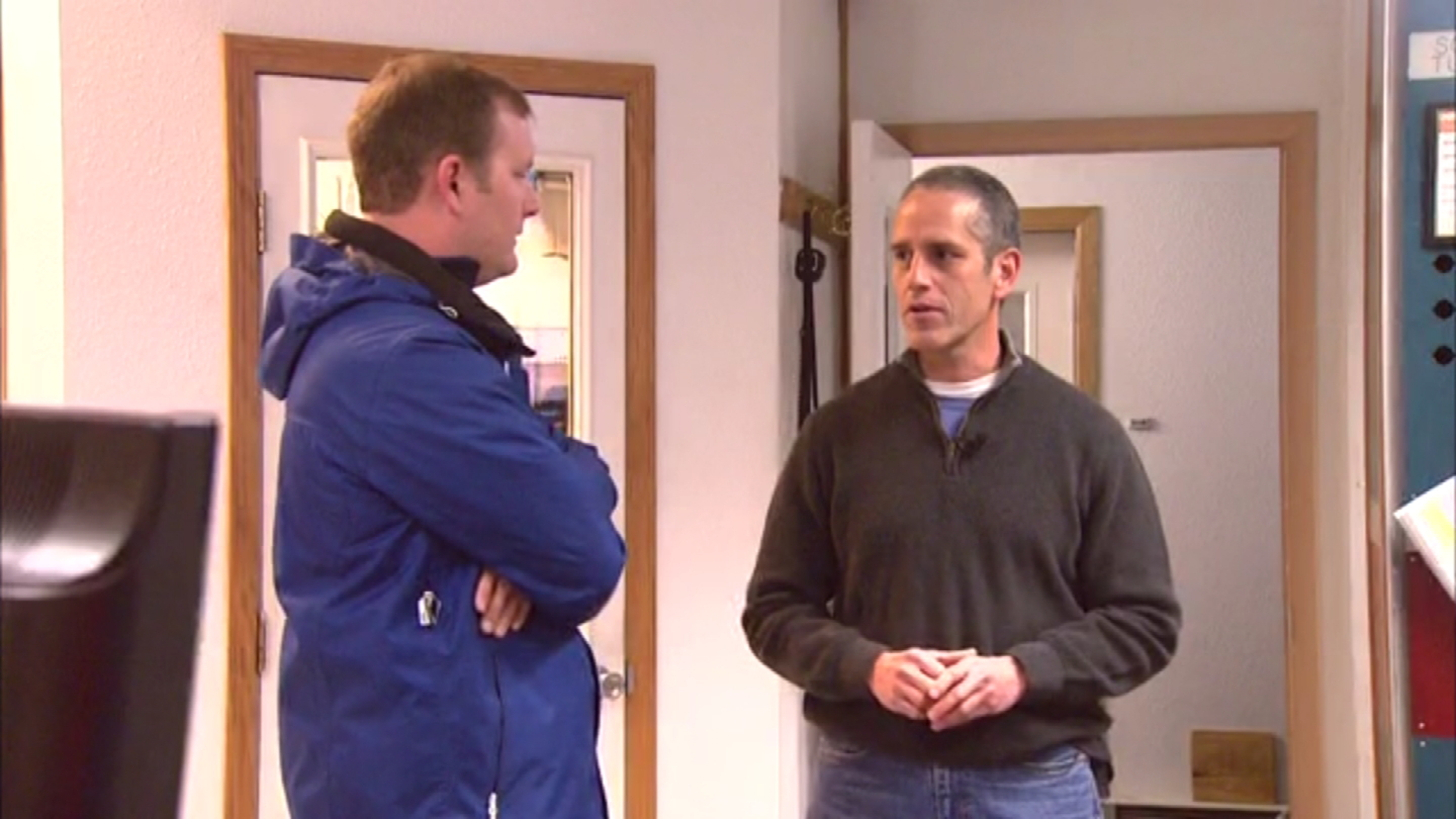 CBS4's Jeff Todd talks with I-70 Mountain Corridor Manager Patrick Chavez (credit: CBS)