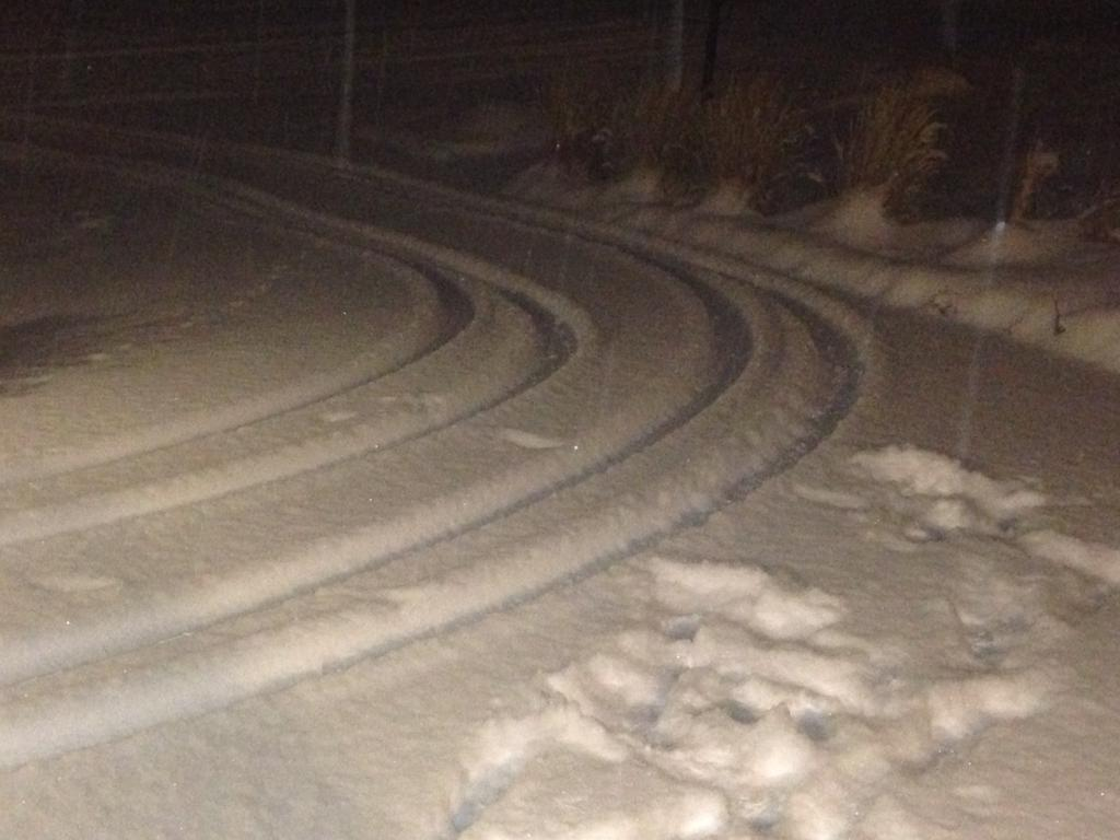 Heavy snow on New Year's night made driving slow and slick in south and east metro Denver. (credit: CBS4 Meteorologist Chris Spears)