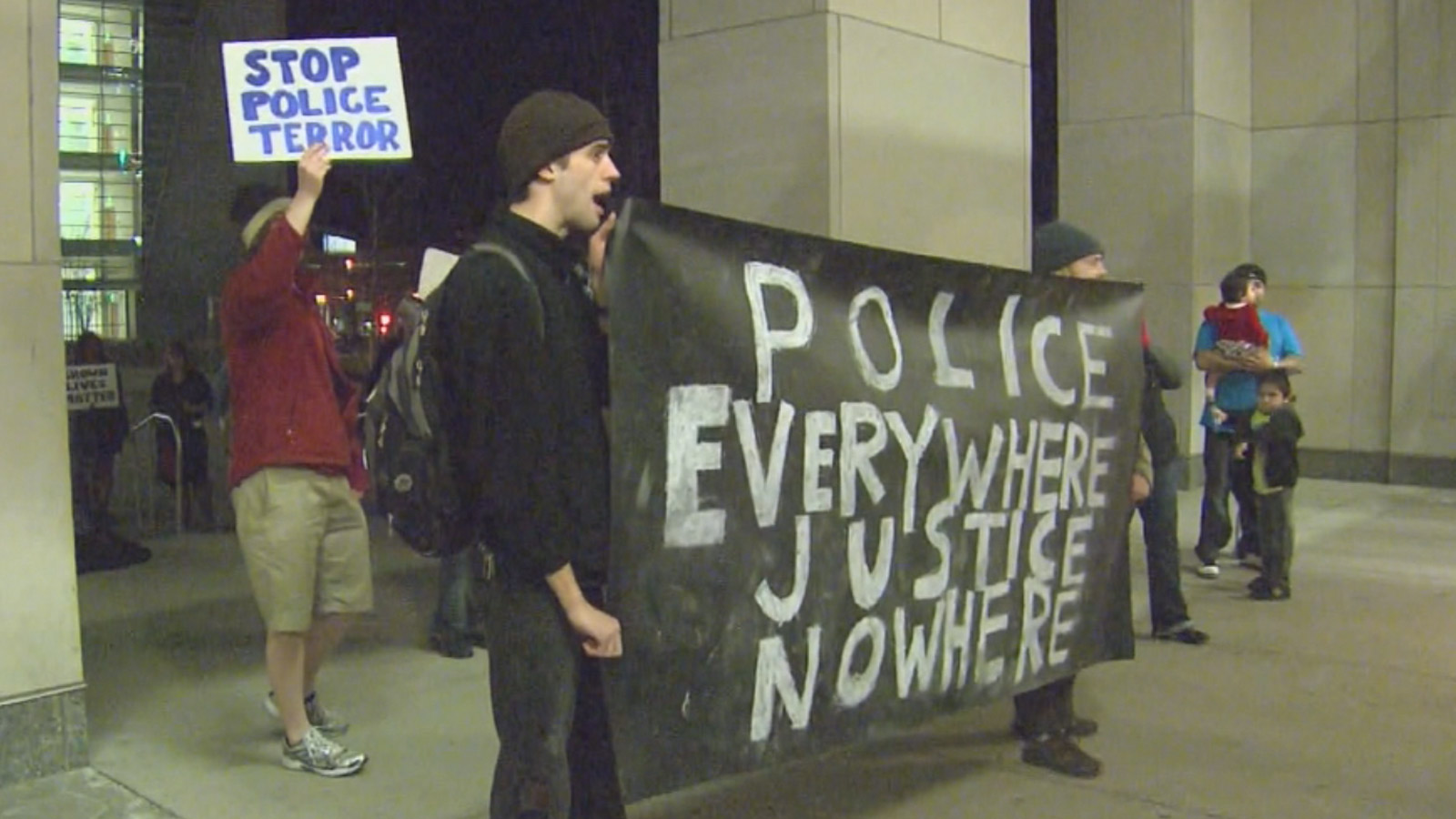 Protesters rallied outside the Denver jail on Wednesday (credit: CBS)