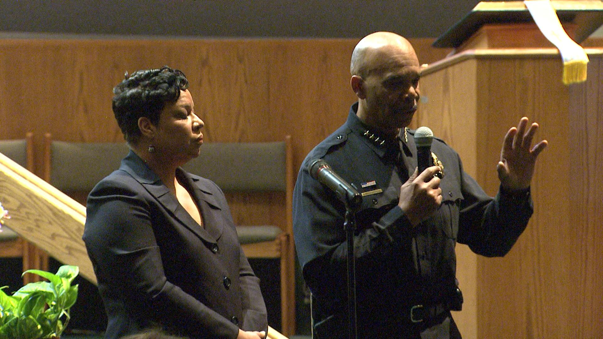 Denver Police Chief Robert White at the community meeting (credit: CBS)