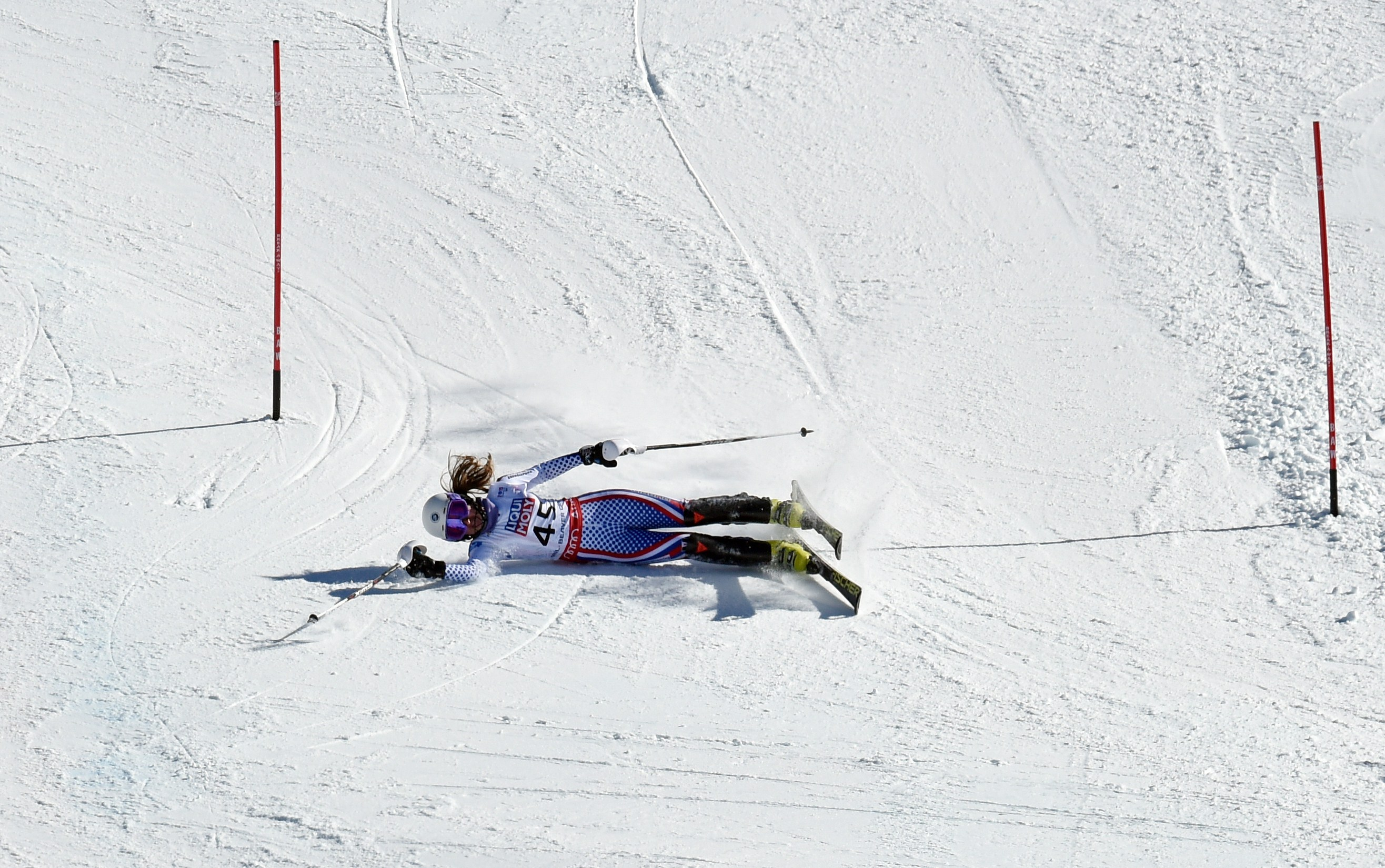 Ksenia Alopina of Russia misses a gate in her second run during the 2015 World Alpine Ski Championships women's slalom February 14, 2015 in Beaver Creek, Colorado. (credit: DON EMMERT/AFP/Getty Images)