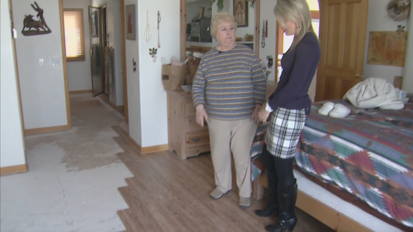 Laminate flooring in Gerry Smith's home bought from Lumber Liquidators (credit: CBS)