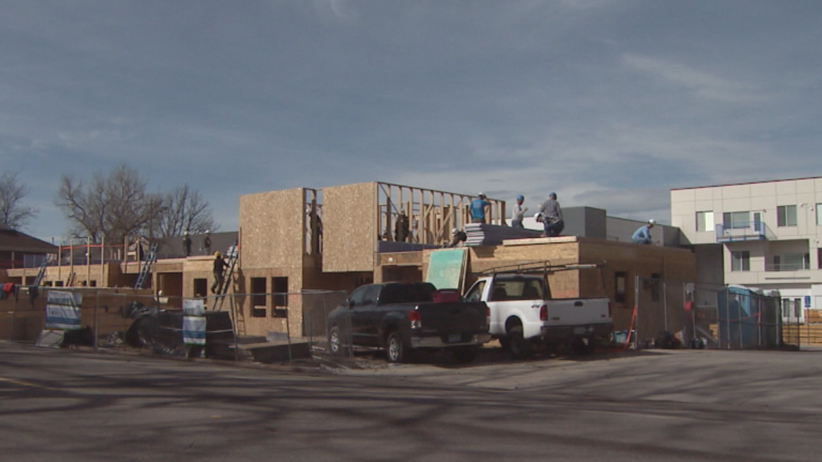 New Habitat for Humanity townhomes at 9th and Mariposa (credit: CBS)