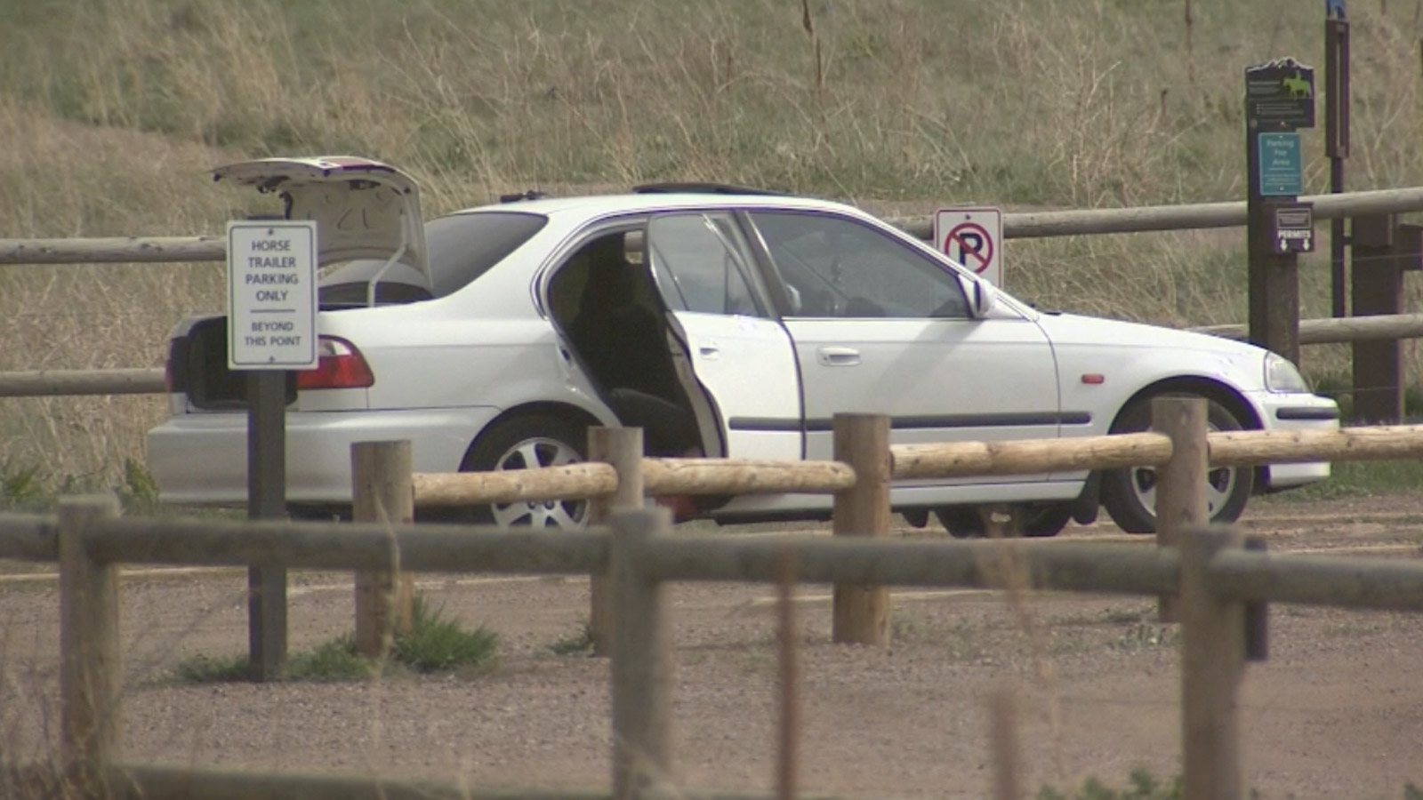 A Boulder County Sheriff's deputy shot and killed a kidnapping suspect (credit: CBS)
