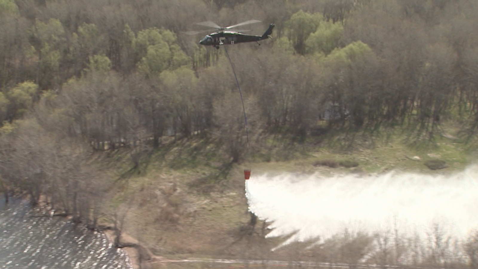 Crews conducted wildfire training near Chatfield Reservoir (credit: CBS)