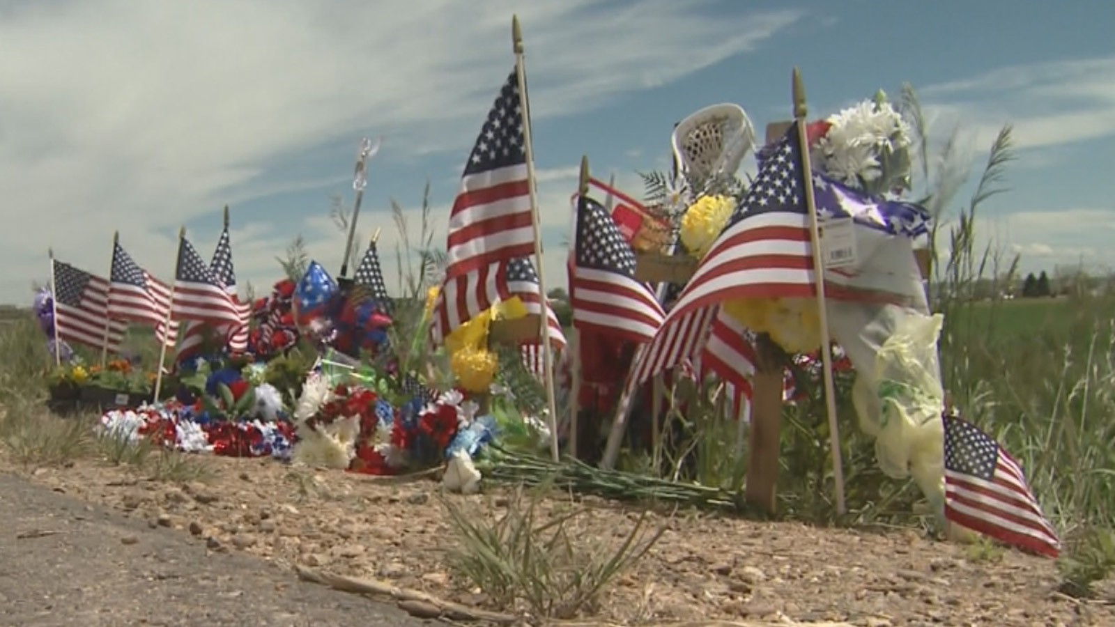 The memorial for Trooper Cadet Taylor Thyfault along Highway 66  (credit: CBS)