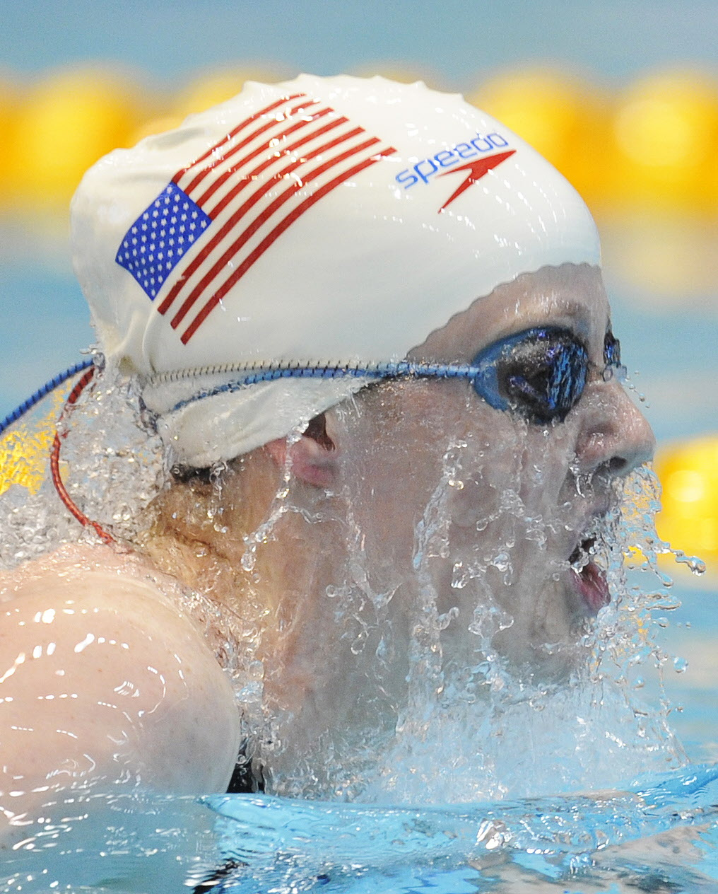 Melissa Franklin of the US competes in the heats of the Women's 200m Individual Medley at the FINA/ARENA Swimming World Cup 2009 in Berlin Nov. 14, 2009. (credit: JOHN MACDOUGALL/AFP/Getty Images)
