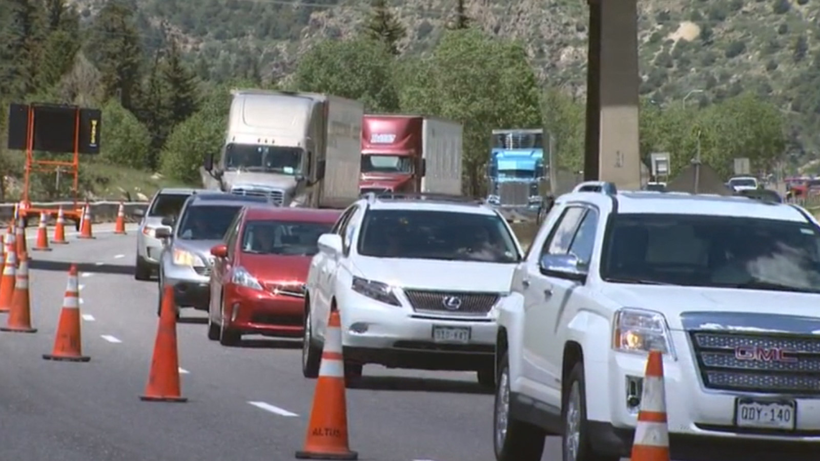 I-70 construction at Idaho Springs (credit: CBS)