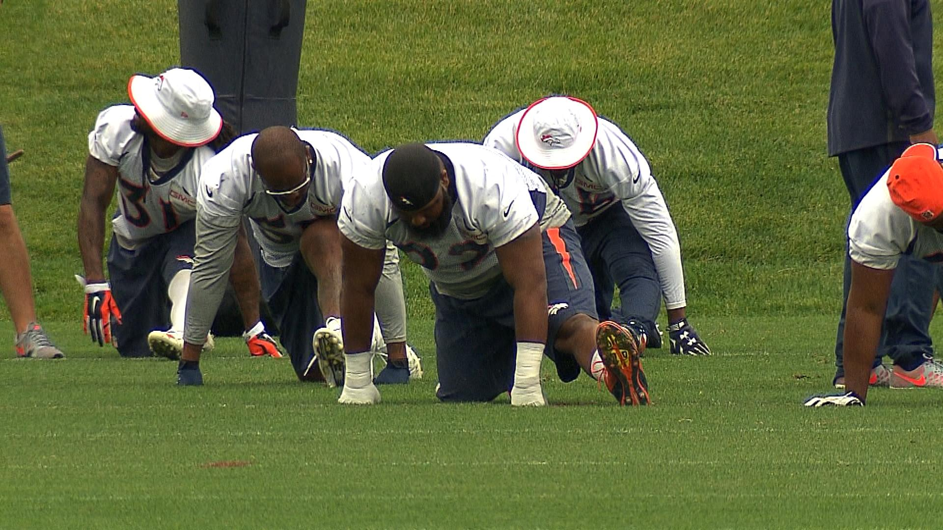Linebacker Von Miller and nose tackle Sylvester Williams (credit: CBS)