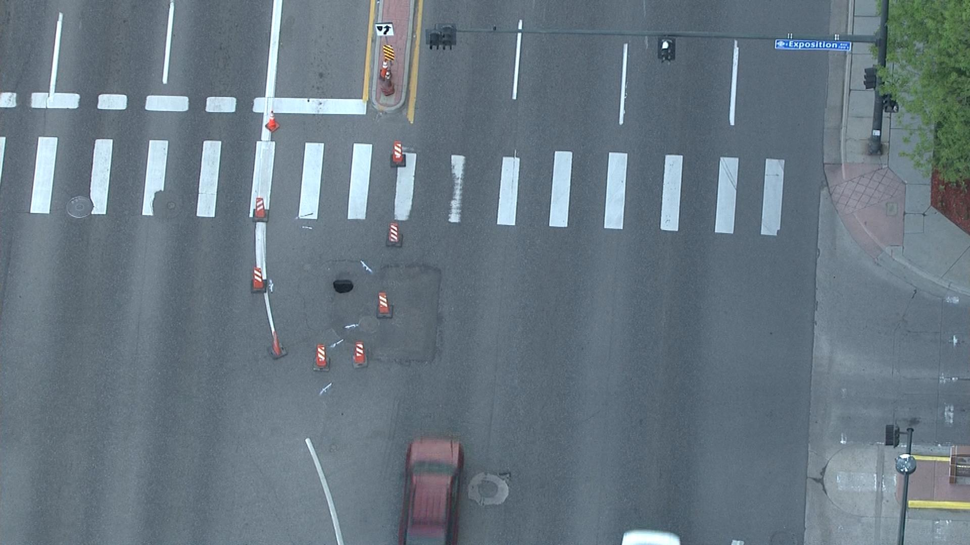 An image of the sinkhole from Copter4 (credit: CBS)