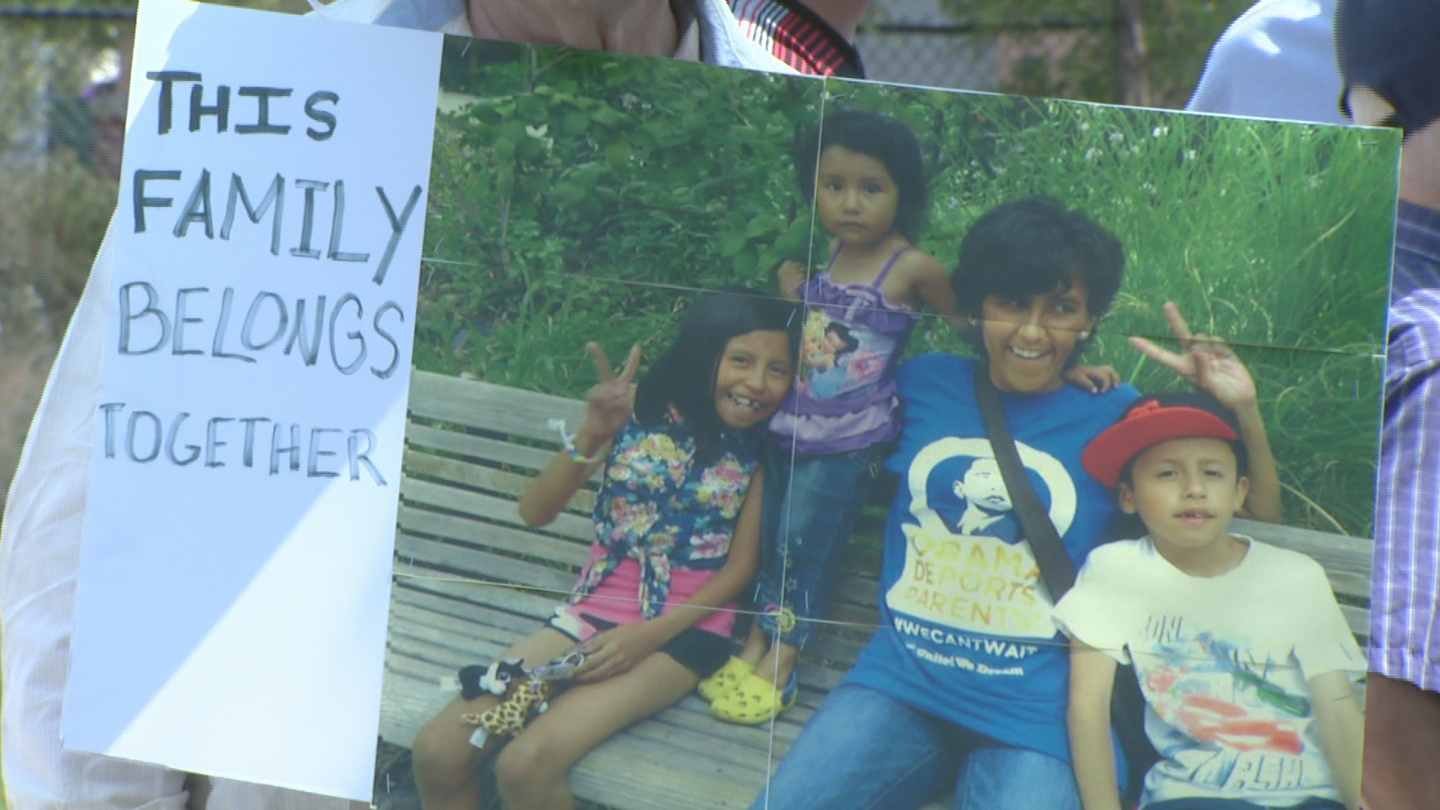 Jeanette's family gathers to support her in her immigration fight (credit: CBS)