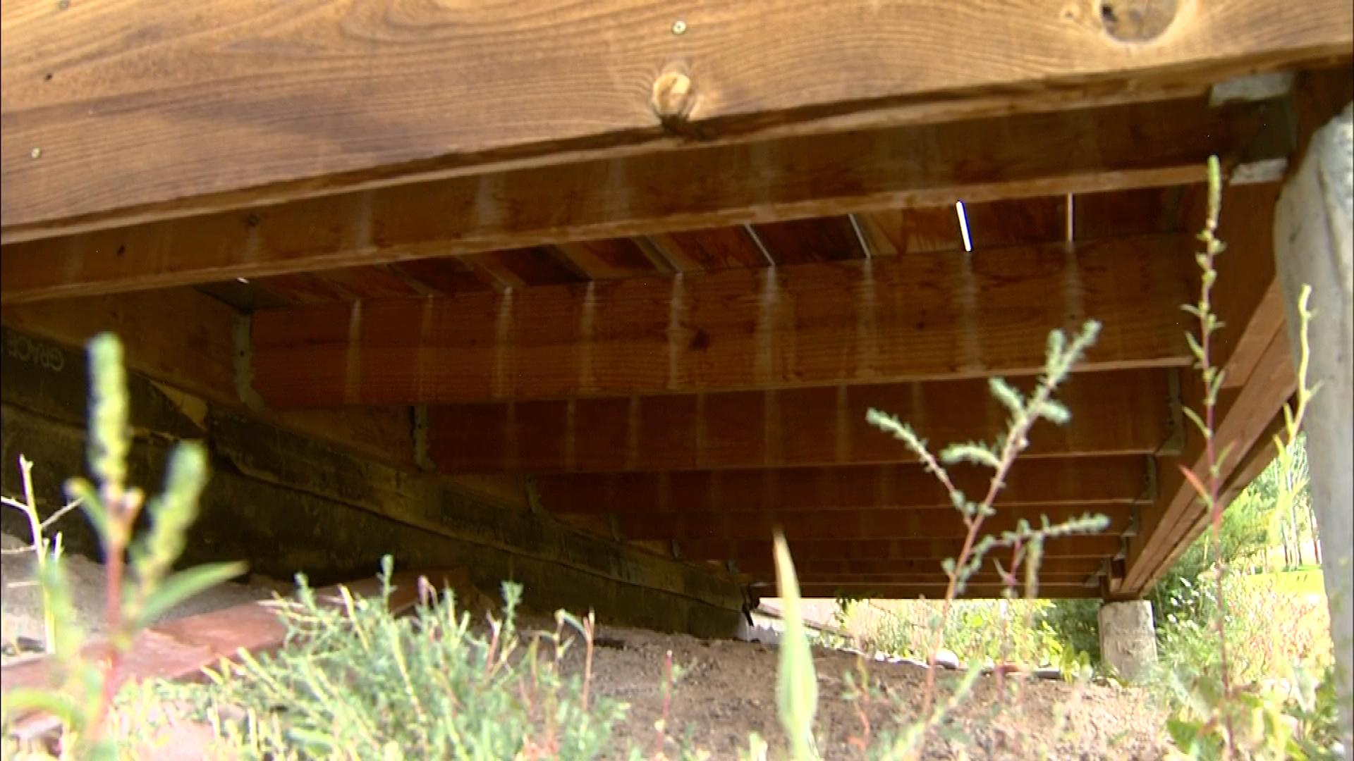 A home on unstable soil at Ironbridge (credit: CBS)