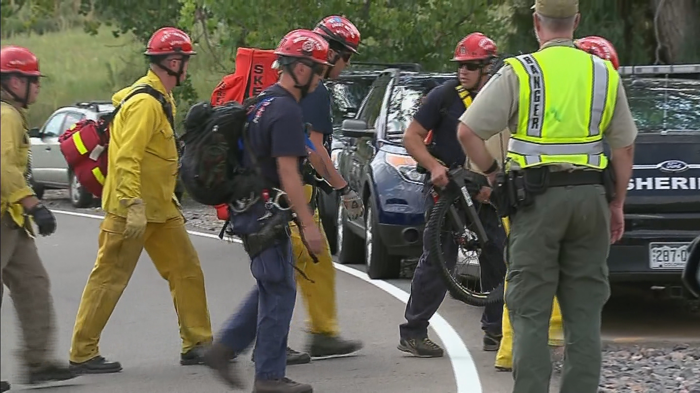 A man fell to his death  at Red Rocks Park (credit: CBS)