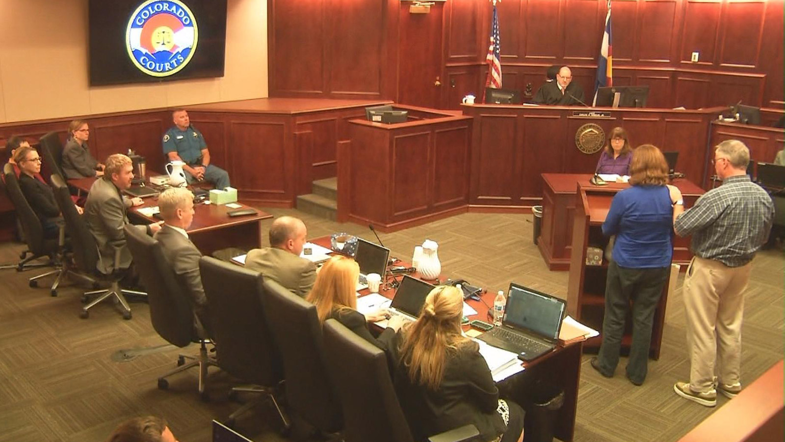Robert and Arlene Holmes in court on Aug. 25, 2015 (credit: CBS)
