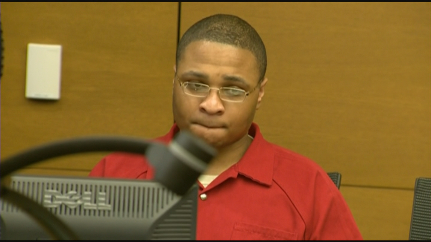 Dexter Lewis at his sentencing (credit: CBS)