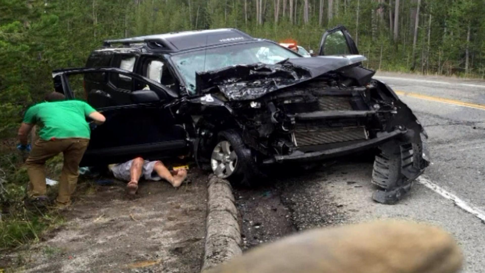 An image from the crash in Yellowstone National Park (credit: CBS)