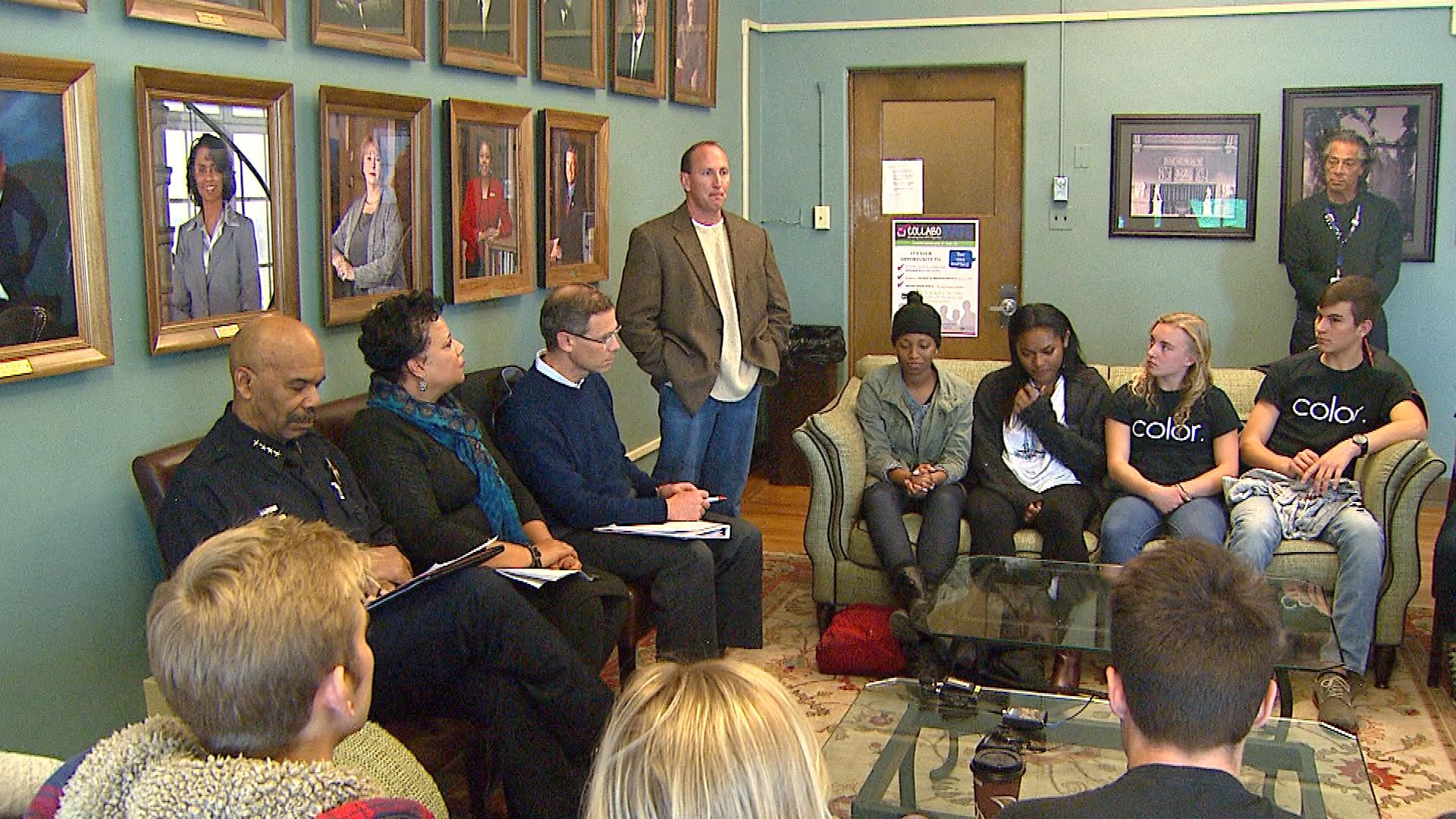The meeting between students and community leaders on Monday (credit: CBS)