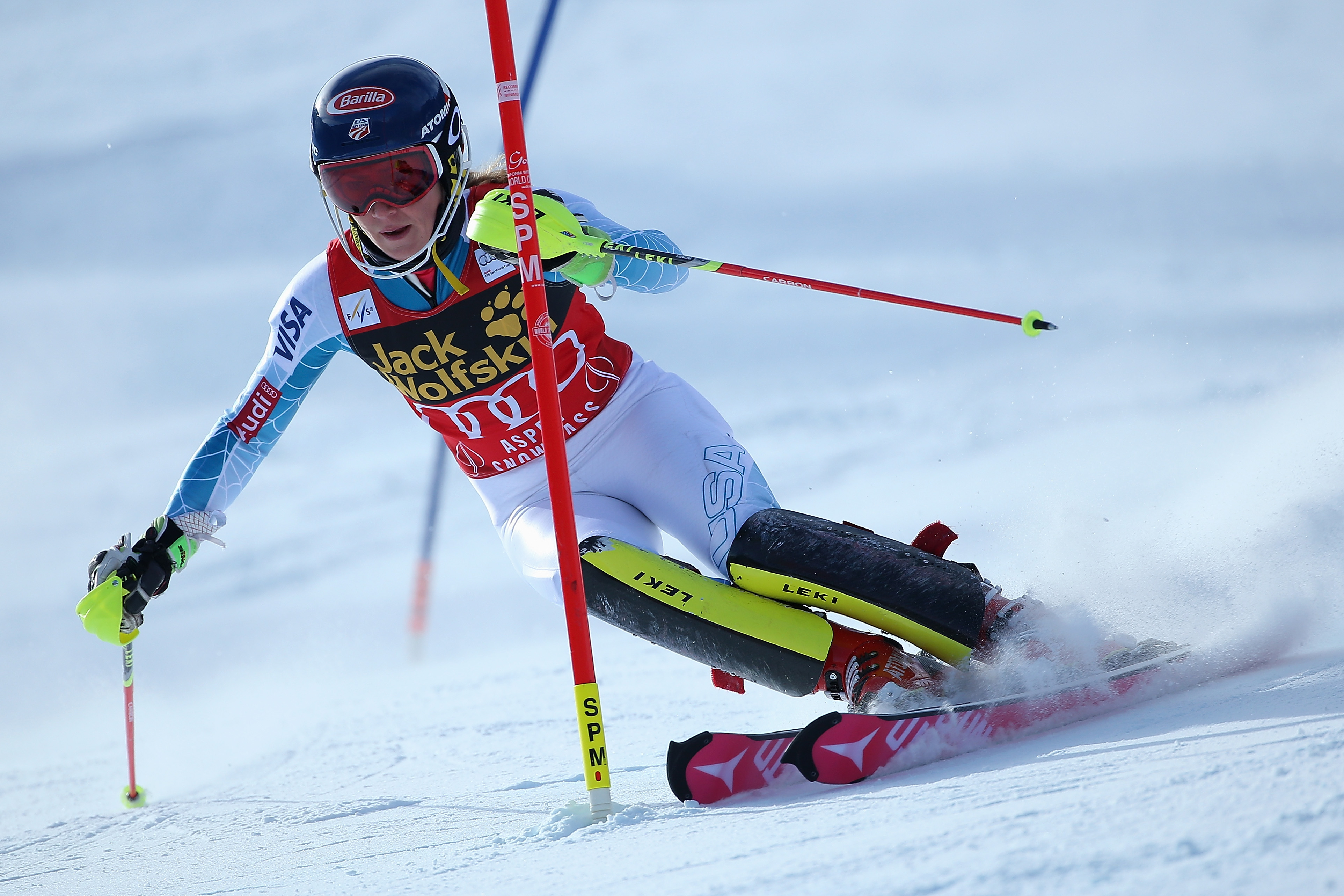 Mikaela Shiffrin of the United States competes in her first run as she skis to victory in slalom during the Adui FIS Women's Alpine Ski World Cup at the Nature Valley Aspen Winternational on November 29, 2015 in Aspen, Colorado. (Photo by Doug Pensinger/Getty Images)