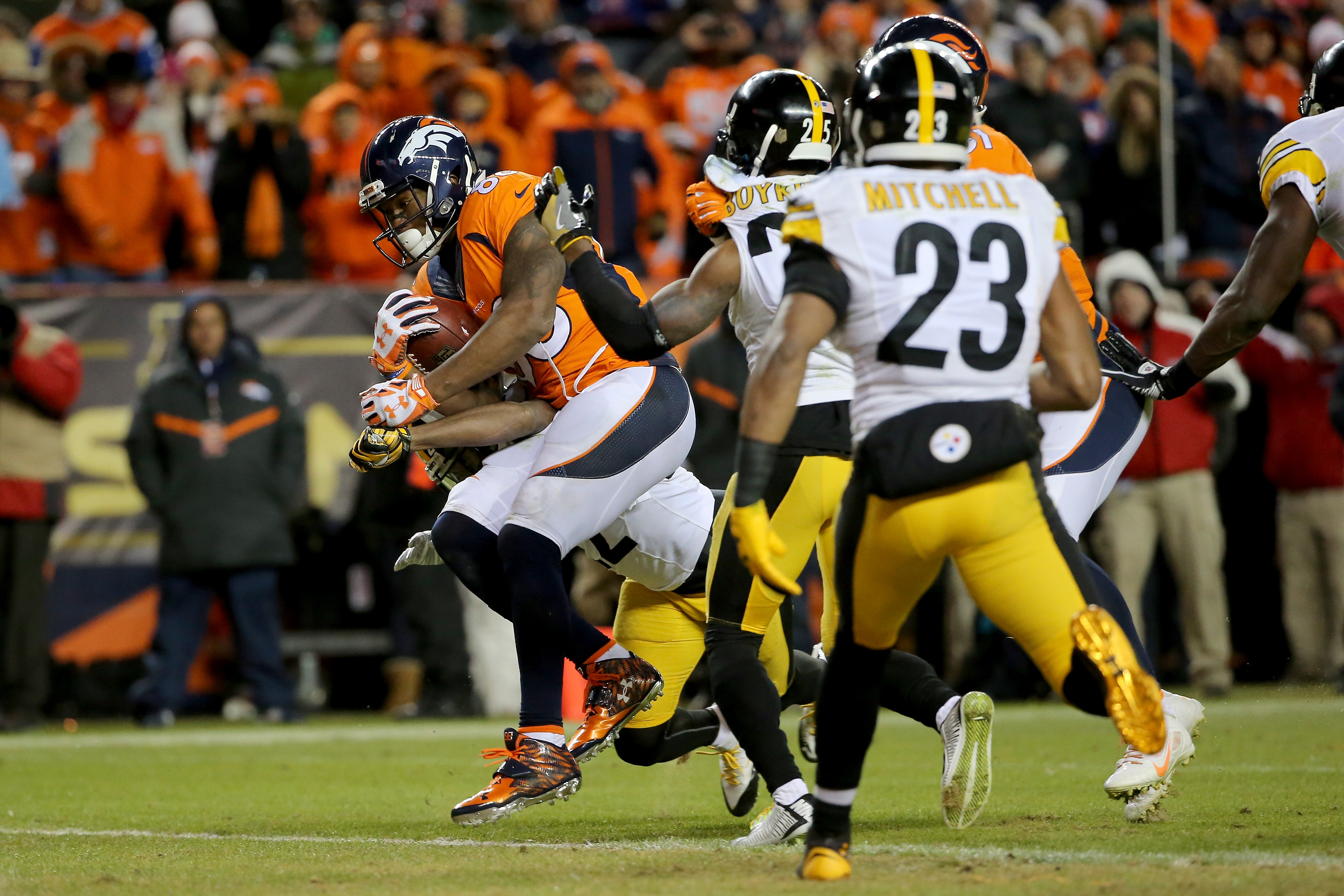 Demaryius Thomas #88 of the Denver Broncos scores the two point conversion in the fourth quarter against the Pittsburgh Steelers during the AFC Divisional Playoff Game at Sports Authority Field at Mile High on January 17, 2016.  (Photo by Doug Pensinger/Getty Images)