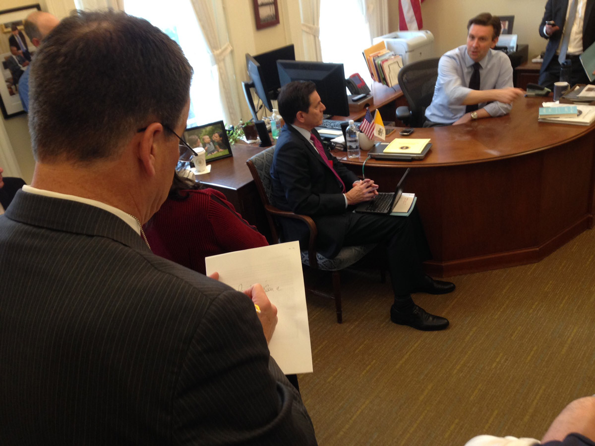 Jim Benemann attends a meeting led by White House Press Secretary Josh Earnest (credit: CBS)