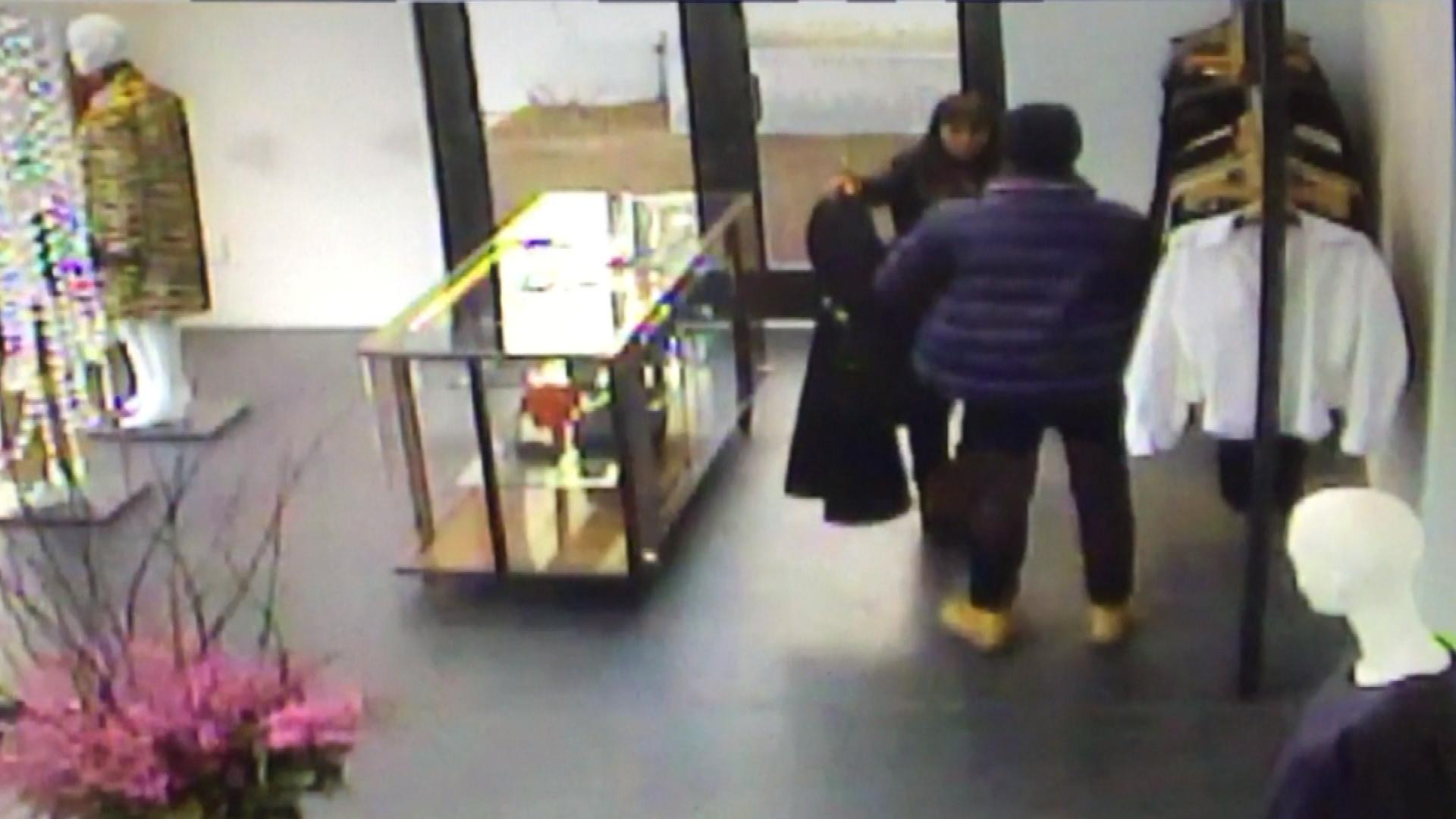 The shoplifters in the Vail store (credit: CBS)