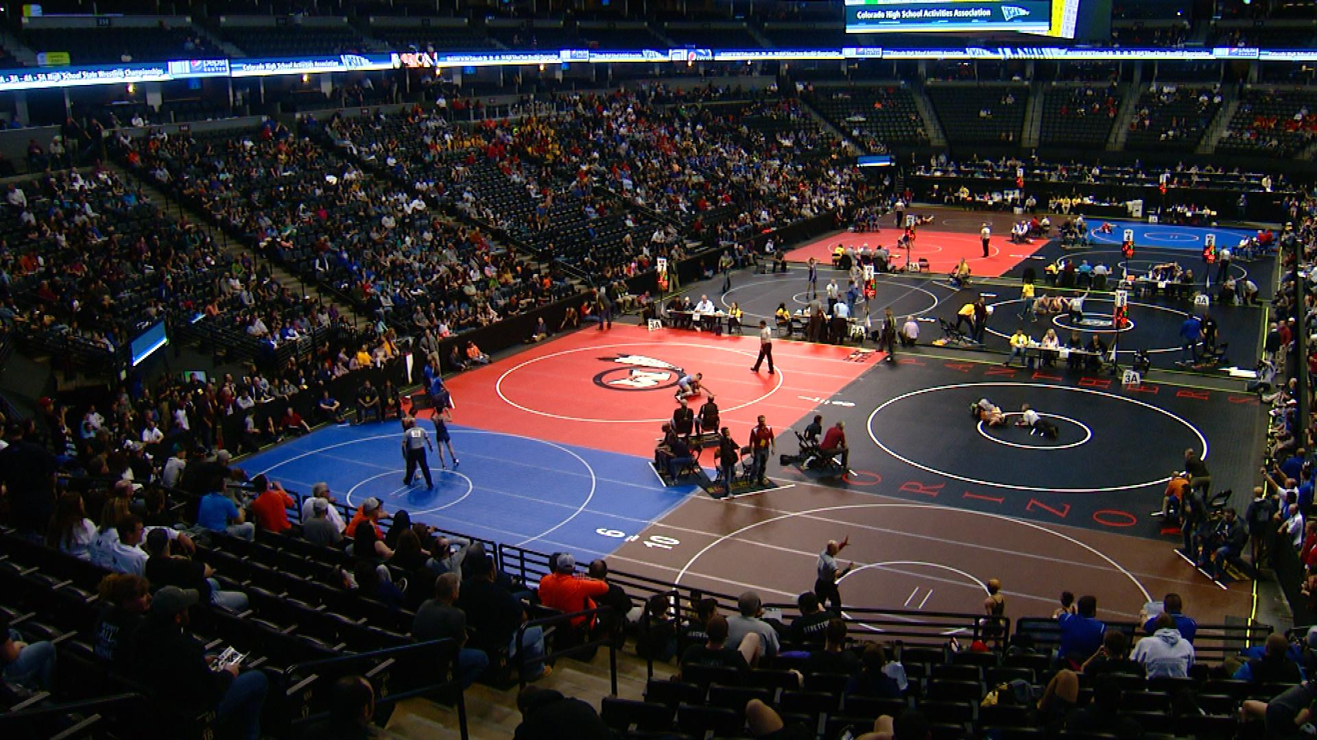 An image of the Colorado High School Wrestling Tournament on Feb. 18, 2016 (credit: CBS)