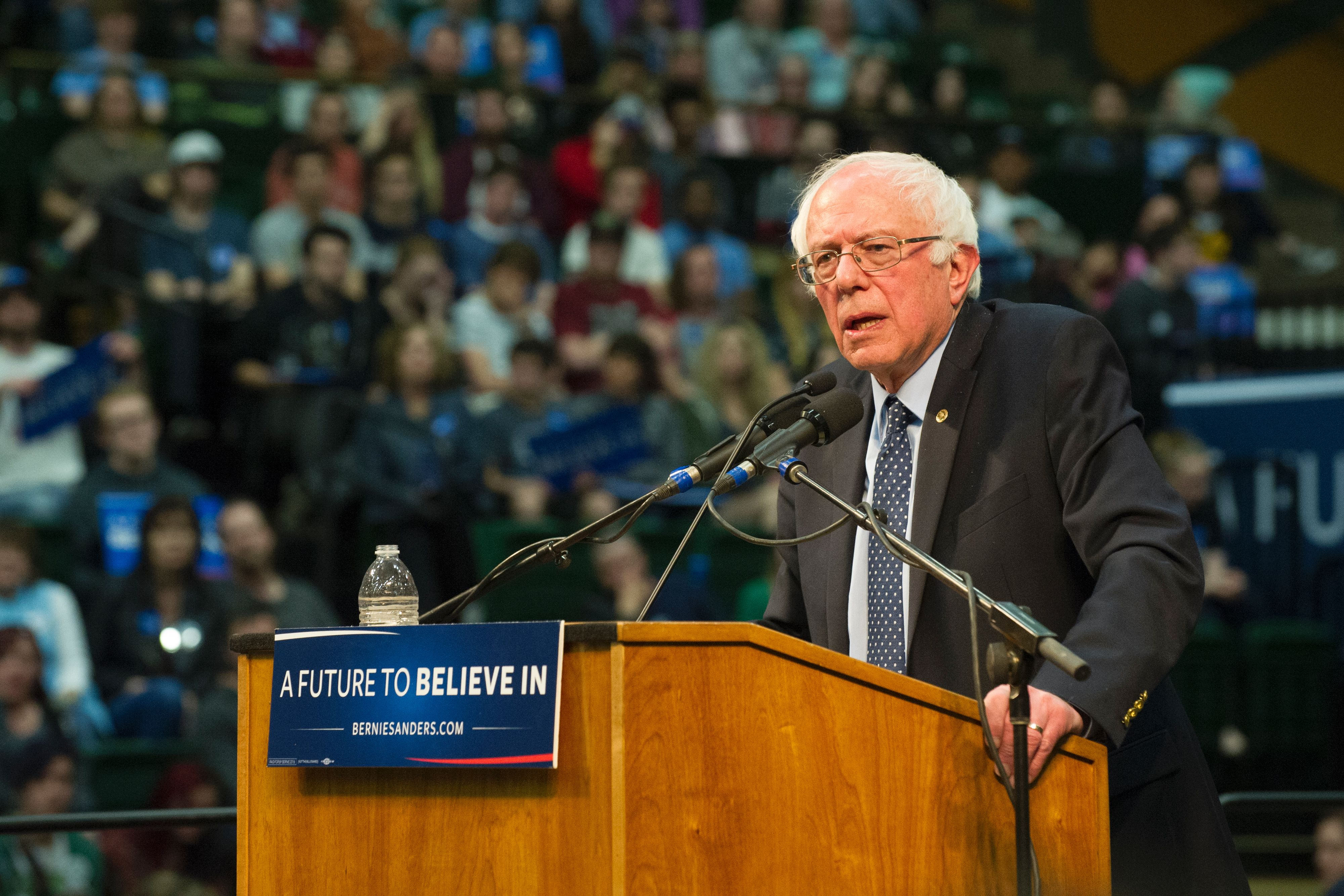 Democratic presidential candidate Bernie Sanders addresses a rally at Colorado State University's Moby Arena in Ft. Collins, Colorado, February 28, 2016. (credit: JASON CONNOLLY/AFP/Getty Images)