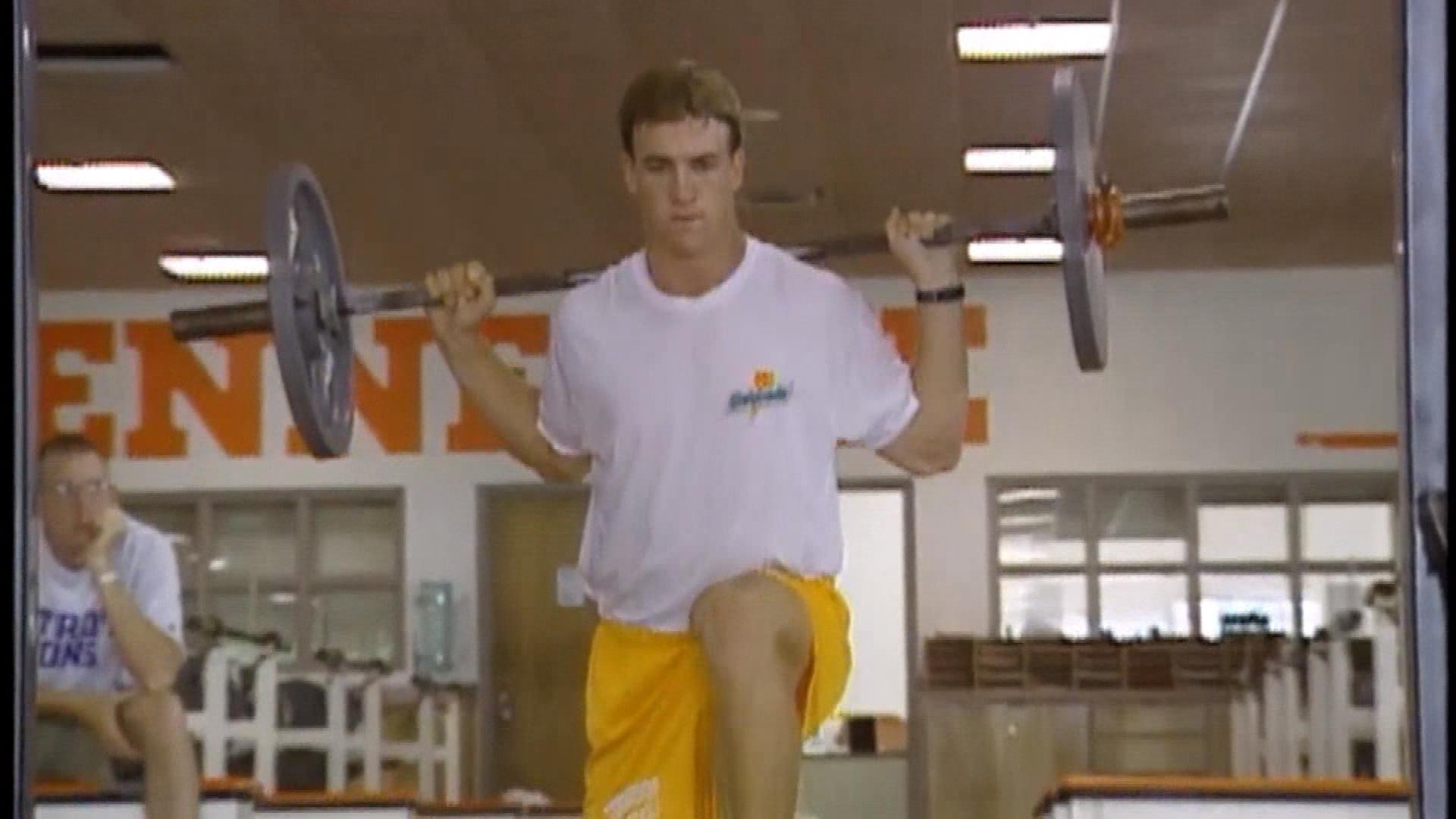 Peyton Manning as a member of the Tennessee Volunteers (credit: CBS)