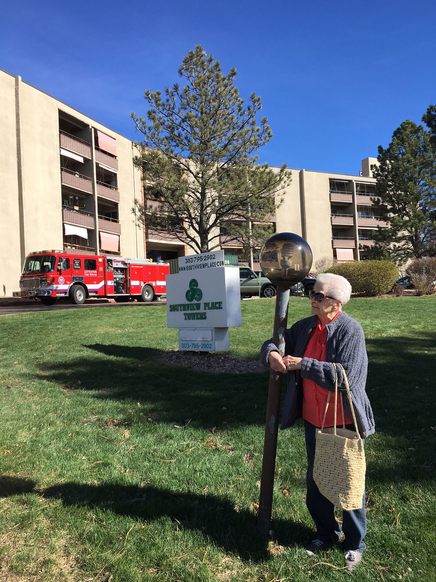 Rose Sullivan, 94, outside the apartments (credit: CBS)